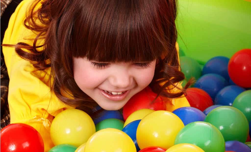 Location piscine a balle animation enfants pour votre for Piscine a balle mousse